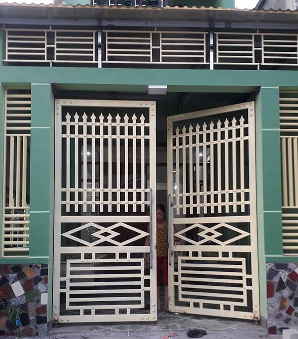 Nhung-mau-cong-sat-2-canh-don-gian-ma-dep-cs-2737-aspx-2